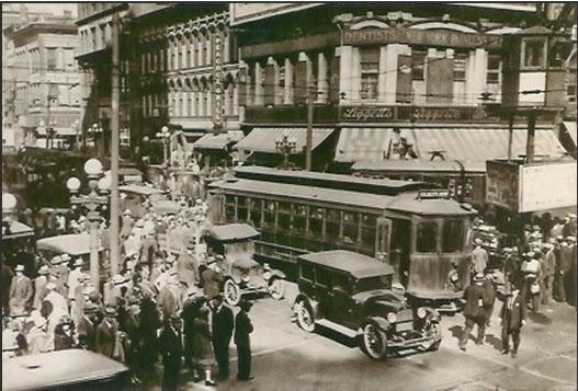 Five Points - Downtown Atlanta - 1922 (postcard, public domain)