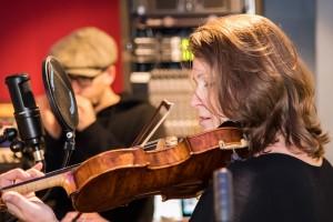 Efrat performing in the studios of WFDU-FM