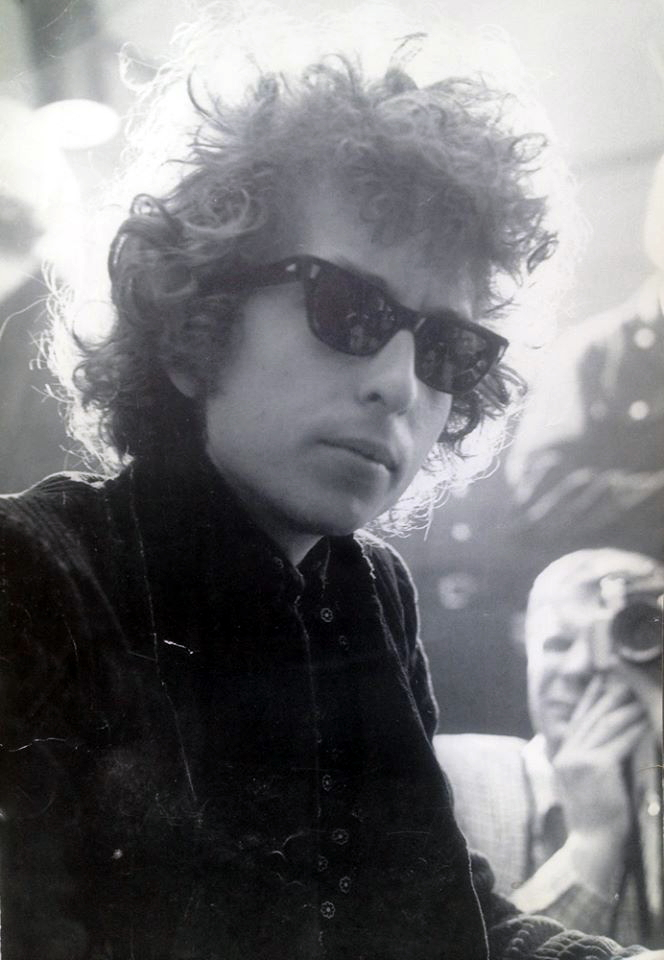 Bob Dylan (source: uncredited photo from official Bob Dylan Facebook page)