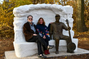 Pete Seeger statue with sculptor Gary Sussman (and wife, Barbara)